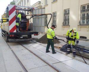 Sealing of tram tracks