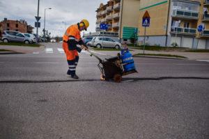 Bitumen cracks repair